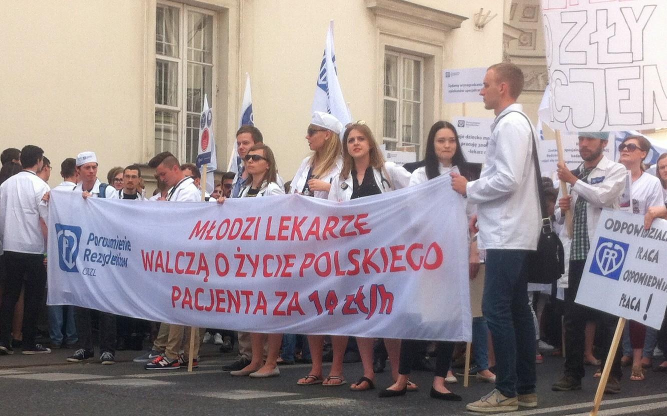 protest-lekarzy-rezydentów-e1466251215990