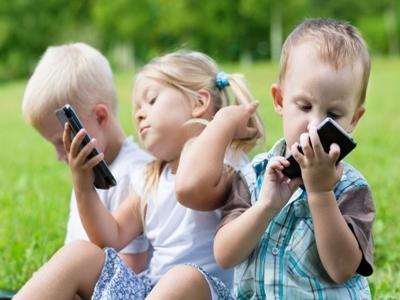 dzieci-telefon
